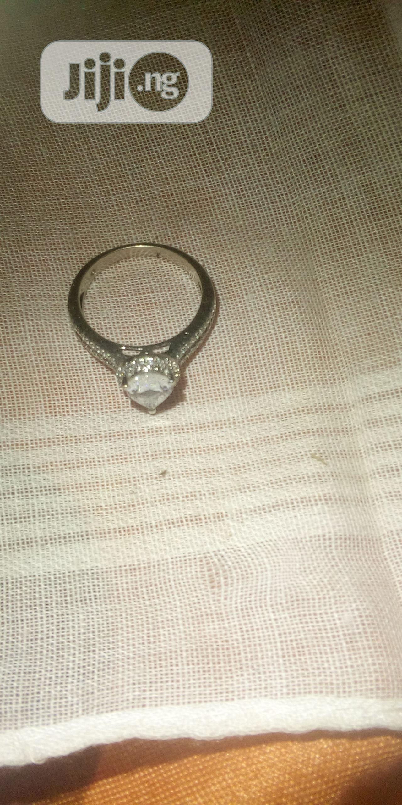 Archive: 18k Saint Tracy White Engagement Gold Ring