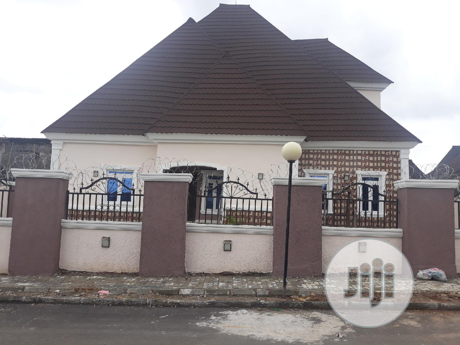 Brand New 4bedroom Penthouse Duplex With A 1bedroom Bq | Houses & Apartments For Sale for sale in Lugbe District, Abuja (FCT) State, Nigeria
