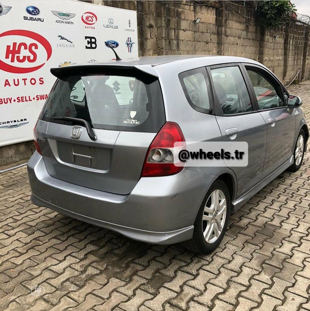 Archive: Honda Fit Automatic 2008 Gray