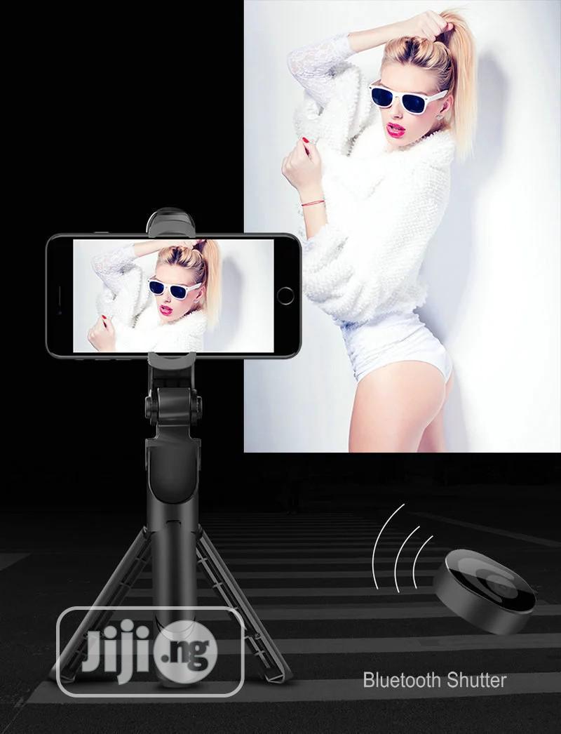 Archive: 3in1 Selfie Stick Phone Tripod Extendable Bluetooth Monopod