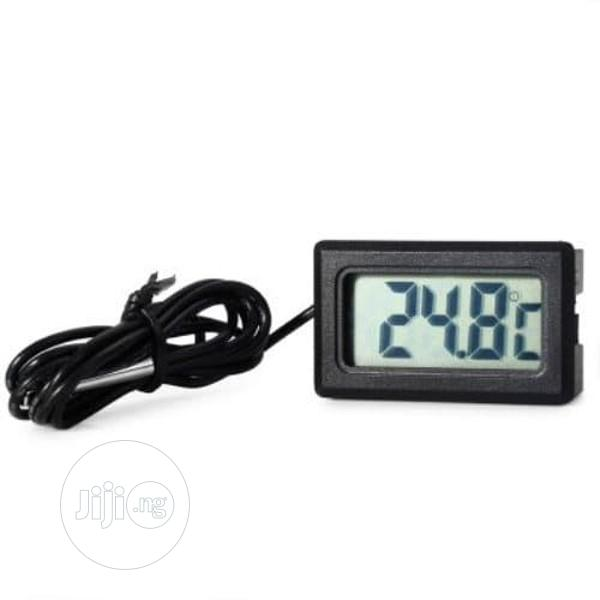 Digital Thermometer With Waterproof Probe
