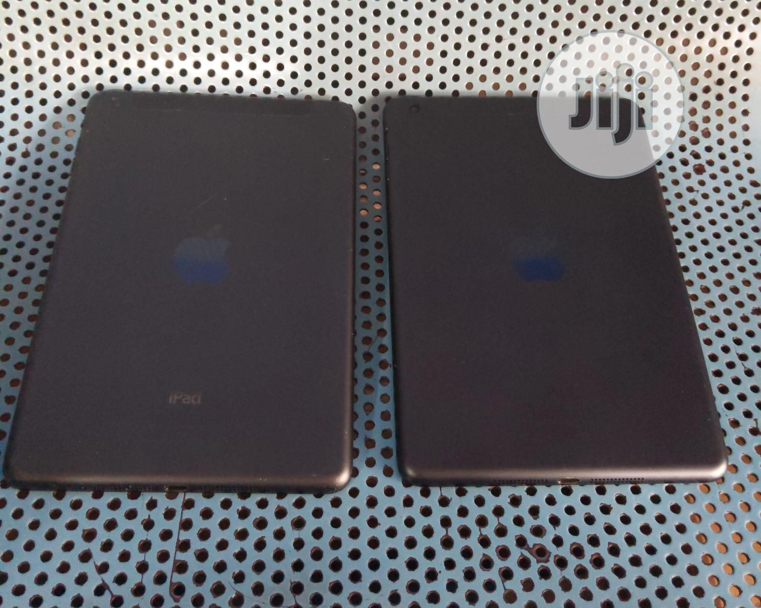 Archive: Apple iPad mini Wi-Fi + Cellular 64 GB Black