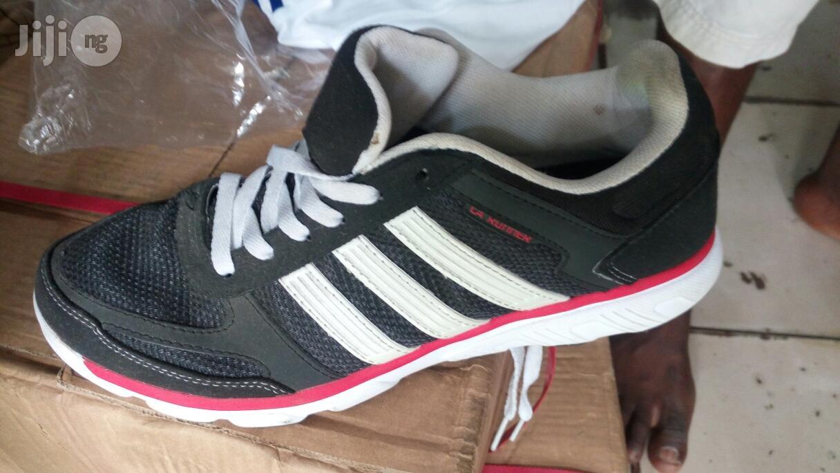 Archive: Adidas Jugging Canvas