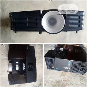 Clean Acer Projector At Abuja   TV & DVD Equipment for sale in Abuja (FCT) State, Wuse