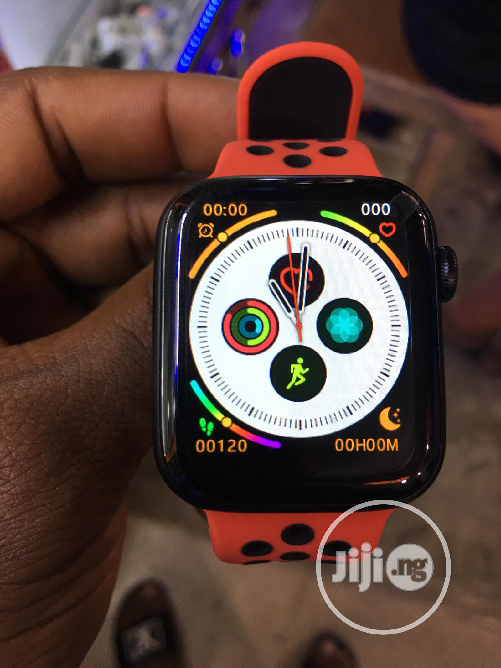 Apple Series 6 Smartwatch