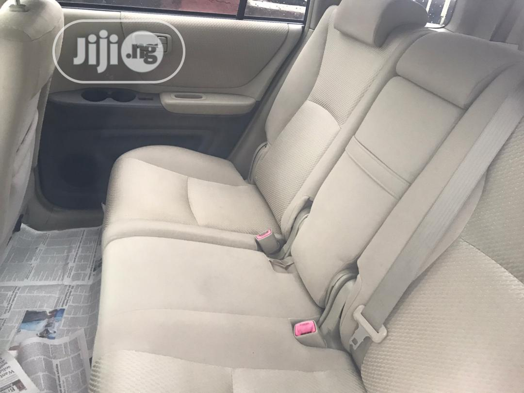 Toyota Highlander 2004 V6 FWD Gold | Cars for sale in Ikeja, Lagos State, Nigeria