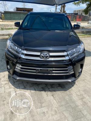 Toyota Highlander 2017 XLE 4x2 V6 (3.5L 6cyl 8A) Black   Cars for sale in Lagos State, Lekki