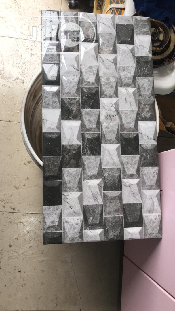 Crack Wall Tiles