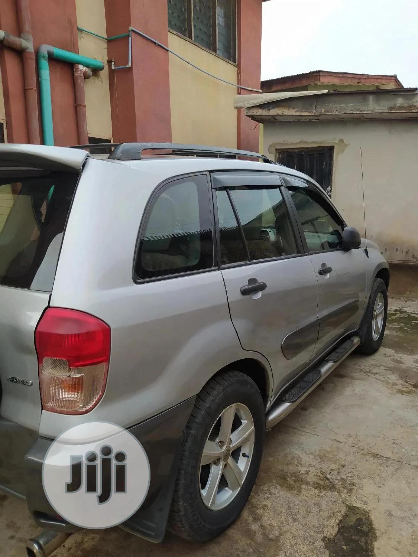Toyota RAV4 2003 Automatic Silver | Cars for sale in Ibadan, Oyo State, Nigeria