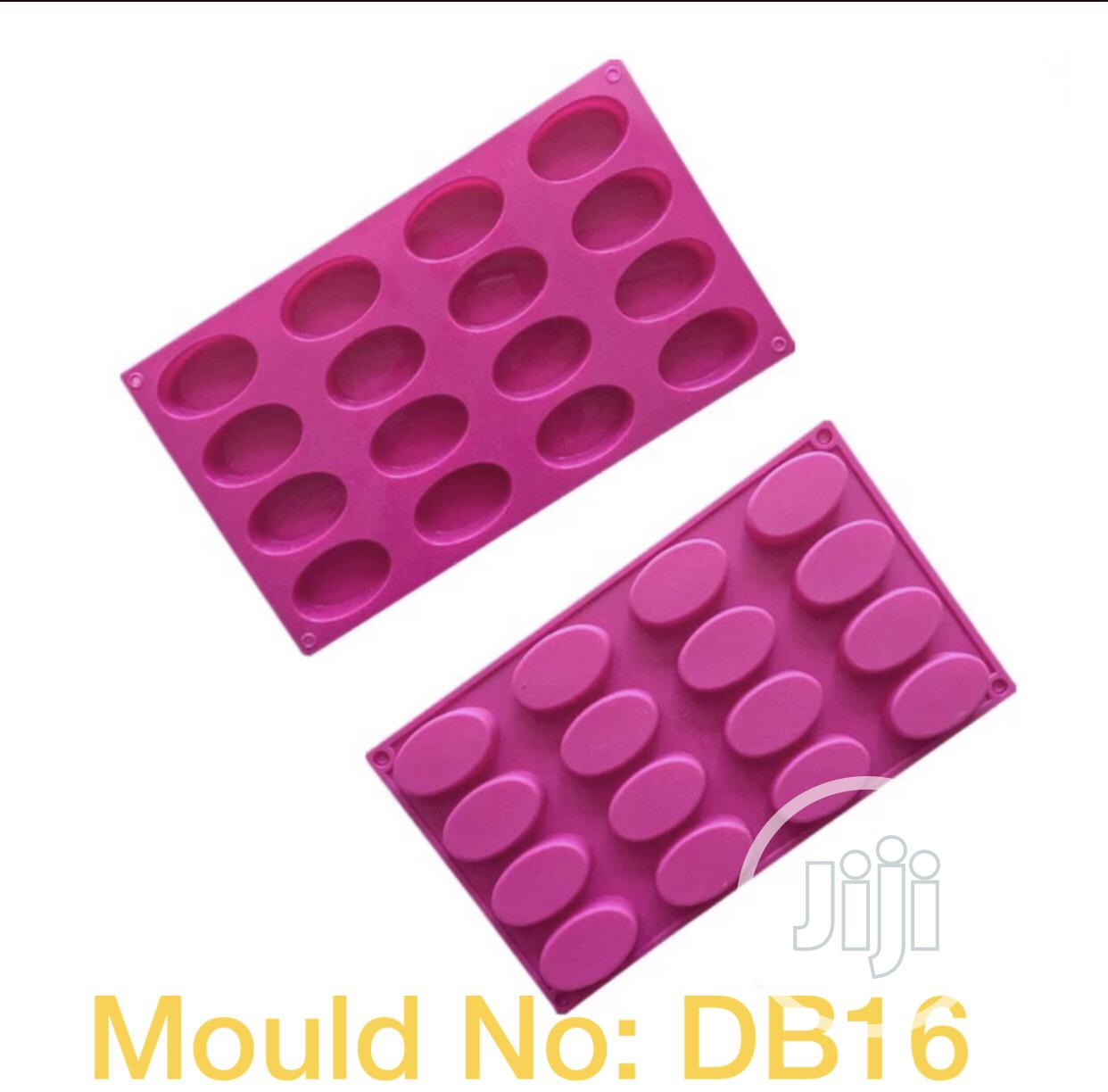 DB16 Cavity Ellipse Shape Silicone Mould (Imported)