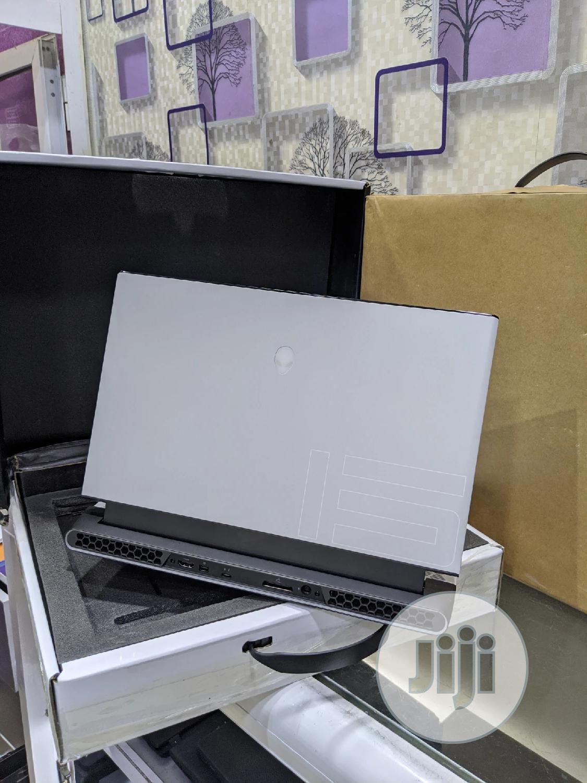 New Laptop Alienware M17x R2 32GB Intel Core i9 SSD 2T