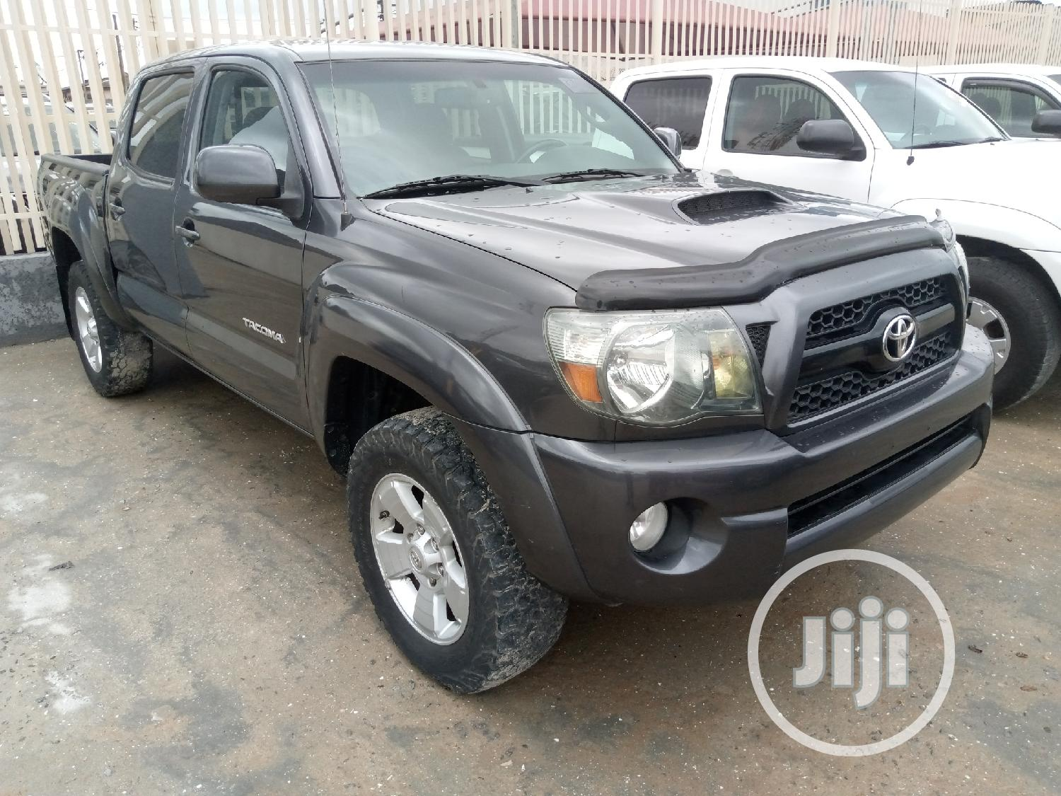 Archive: Toyota Tacoma 2011 Access Cab Gray