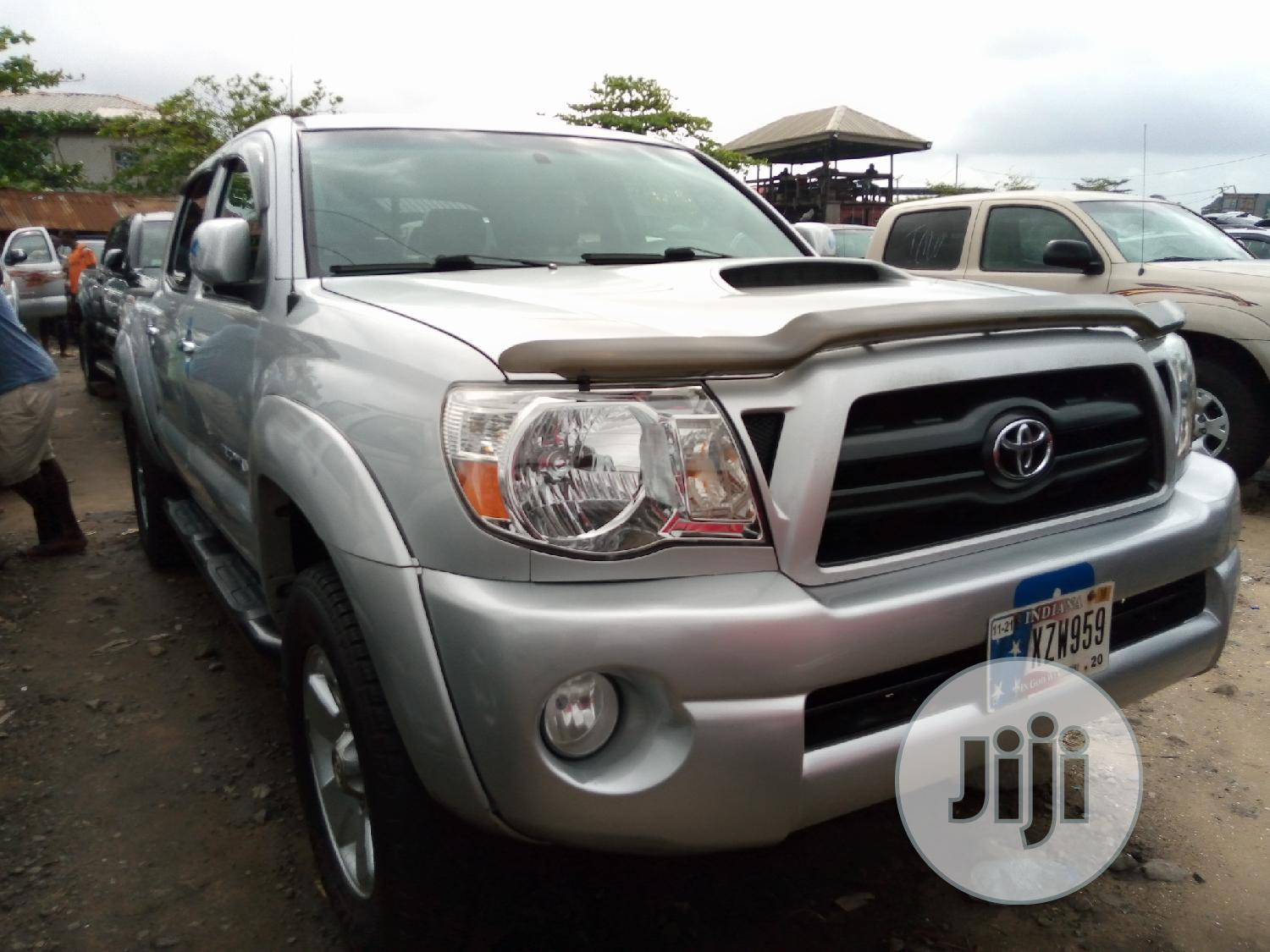 Toyota Tacoma 2008 4x4 Access Cab Silver | Cars for sale in Apapa, Lagos State, Nigeria