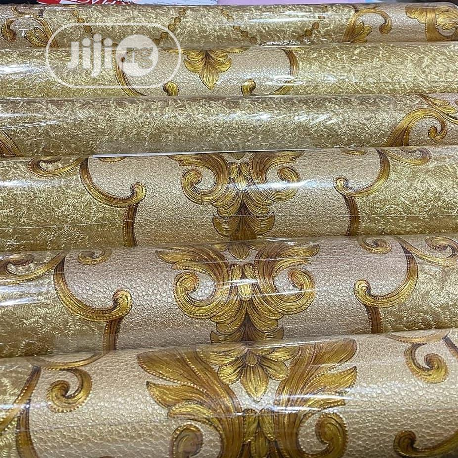 Wallpaper Gold Colour