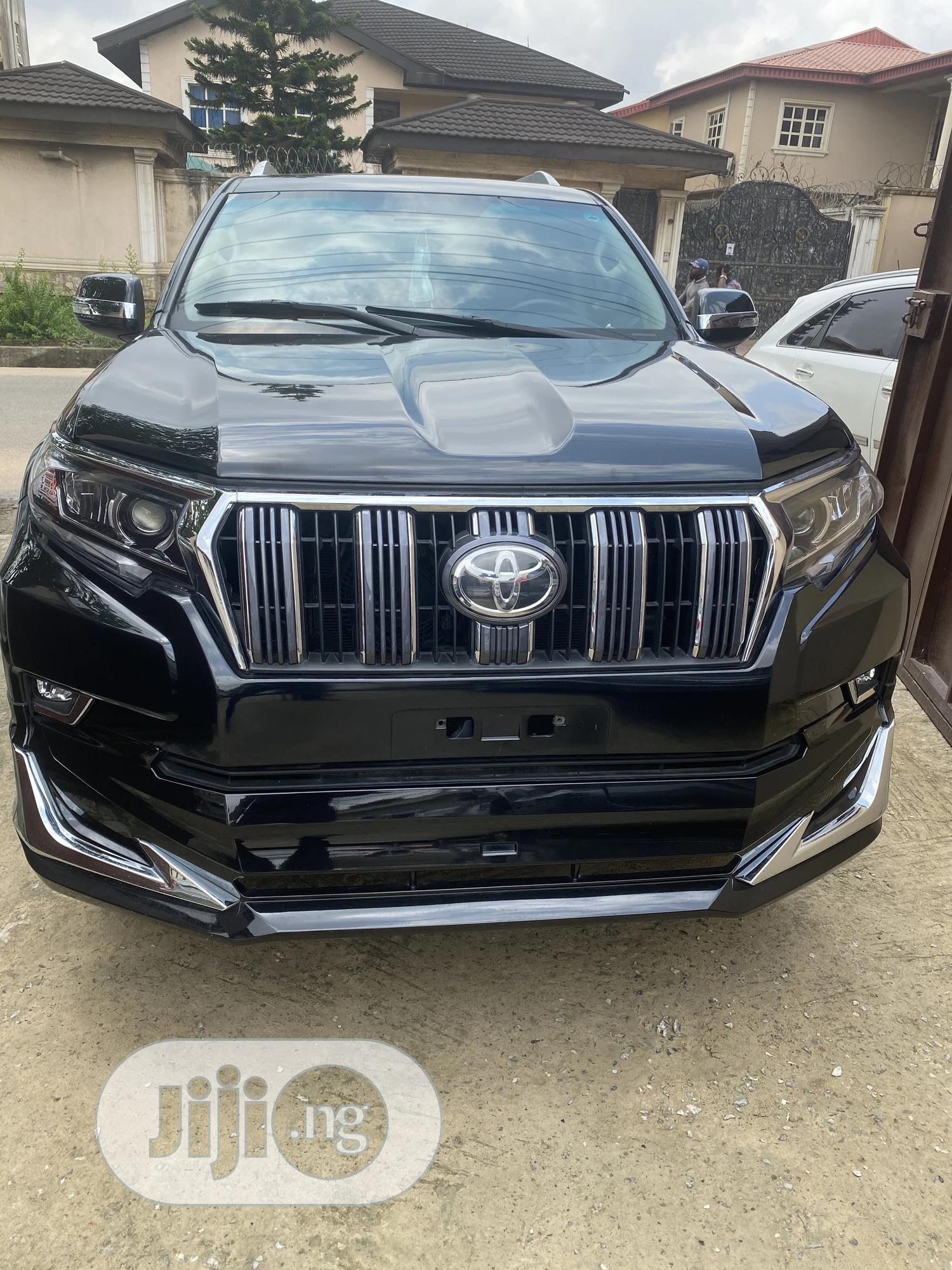 Toyota Land Cruiser Prado 2011 Black