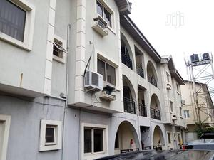 3 Bedroom Flat Upstairs | Houses & Apartments For Rent for sale in Lekki, Lekki Phase 1