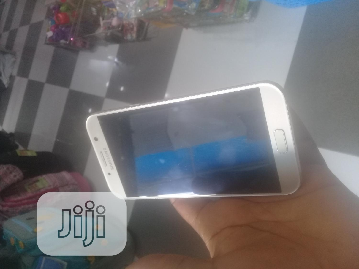 Archive: Samsung Galaxy A7 Duos 16 GB Gold