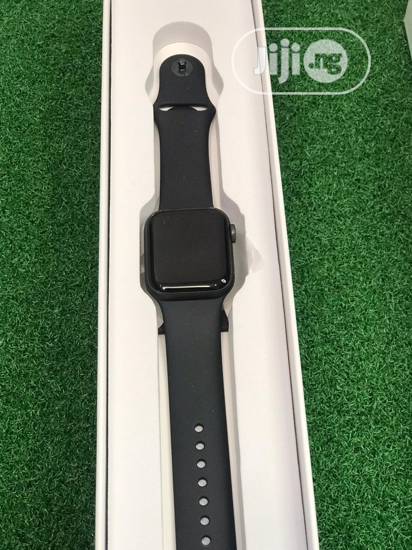 Apple Watch Series 5...40mm | Smart Watches & Trackers for sale in Ibadan, Oyo State, Nigeria