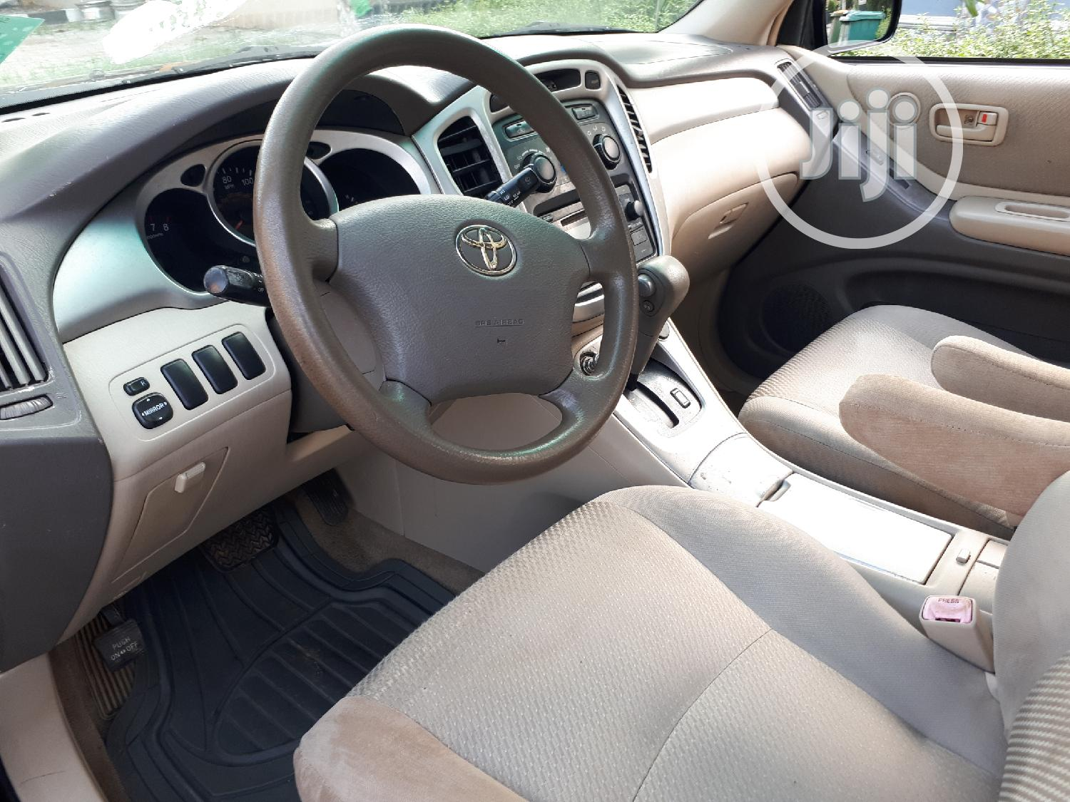 Toyota Highlander 2005 4x4 Black   Cars for sale in Agege, Lagos State, Nigeria