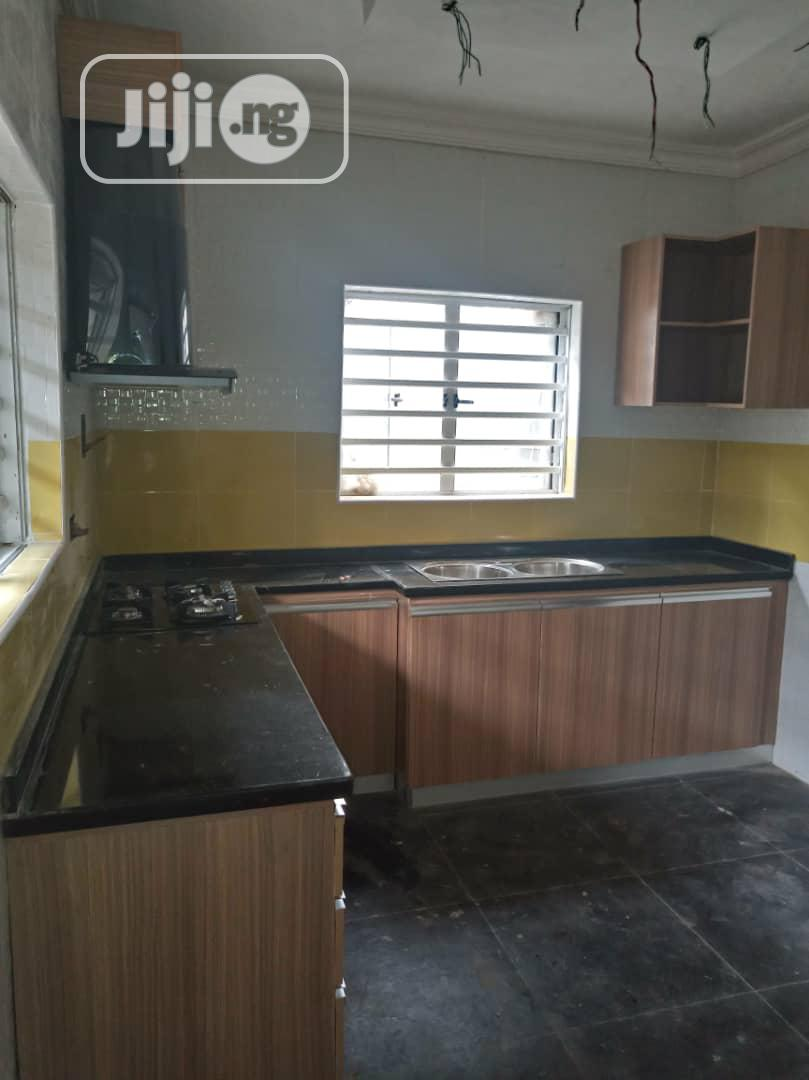 Kitchen Cabinets With Granite Worktop