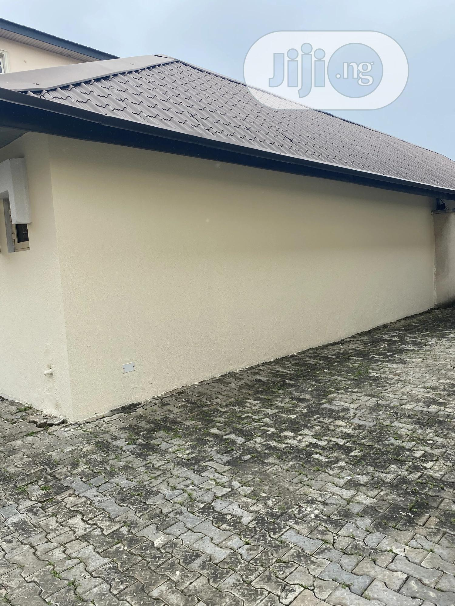 Archive: 1 Bedroom Mini Flat for Rent in Lekki Phase One