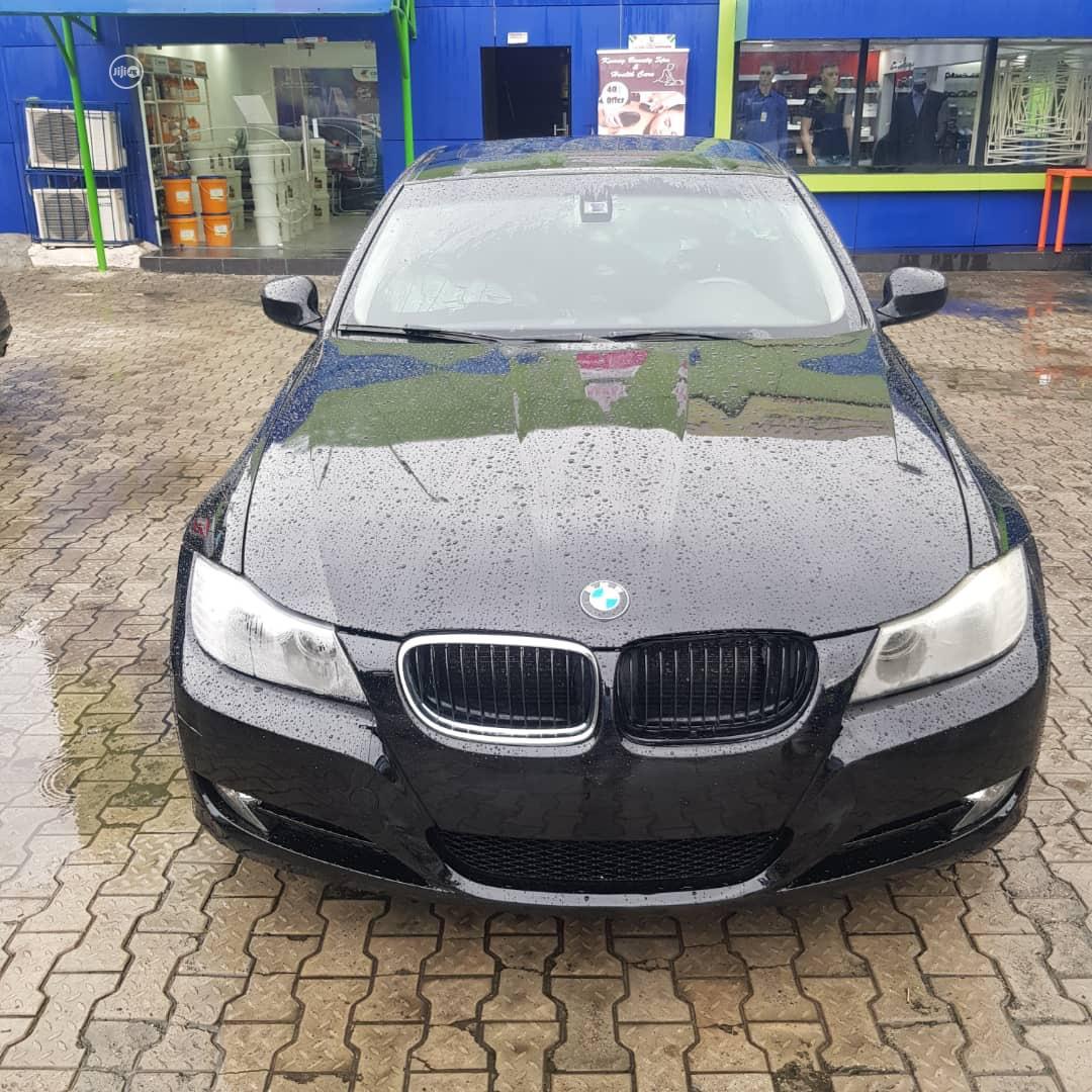 BMW 323i 2010 Black