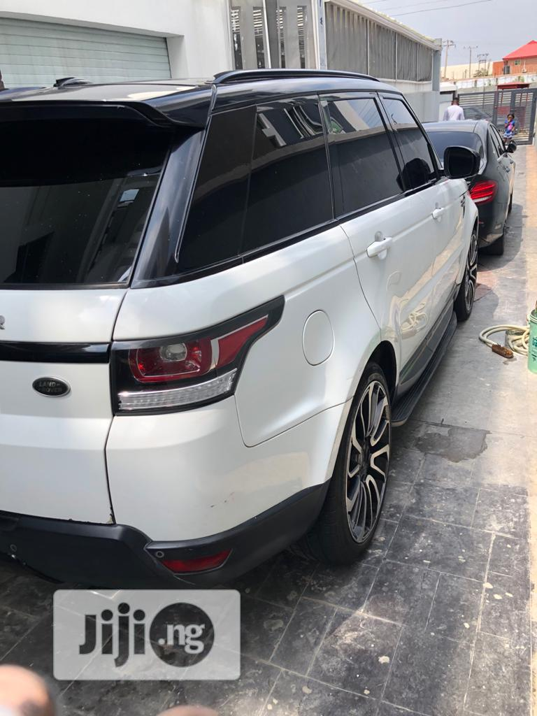Archive: Land Rover Range Rover Sport 2016 SE 4x4 (3.0L 6cyl 8A) White