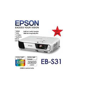 Epson EB-S31 LCD 3200 Lumens 3LCD SVGA Technology Projector   TV & DVD Equipment for sale in Lagos State, Ikeja