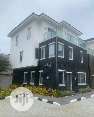 Spacious 4 Bedroom Duplex For Sale At Oniru Victoria Island | Houses & Apartments For Sale for sale in Lagos State, Victoria Island