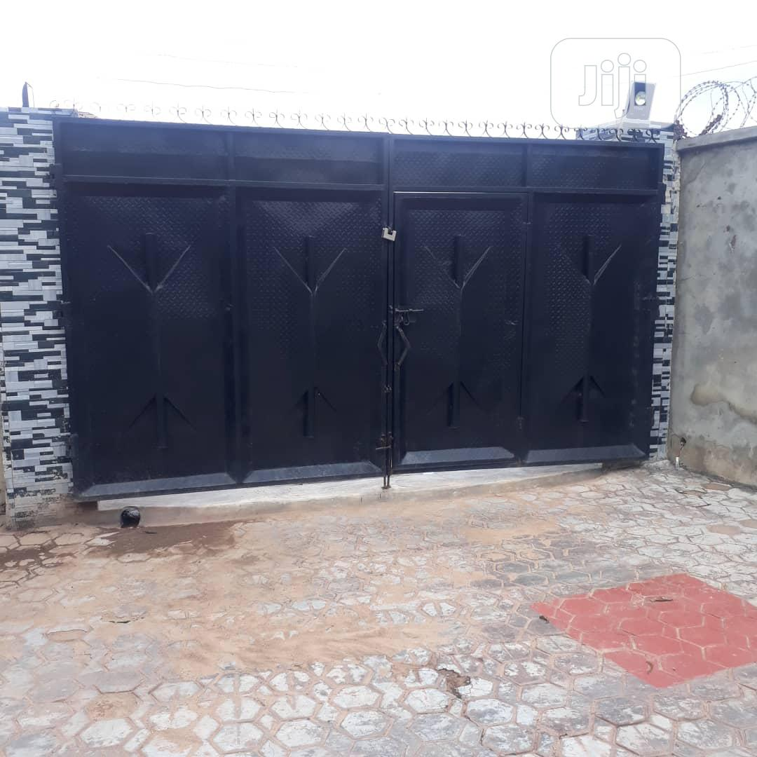 FRM ELEYELE ,A Tastefully And Standard 3 Bedroom, Ibadan, | Houses & Apartments For Sale for sale in Ibadan, Oyo State, Nigeria