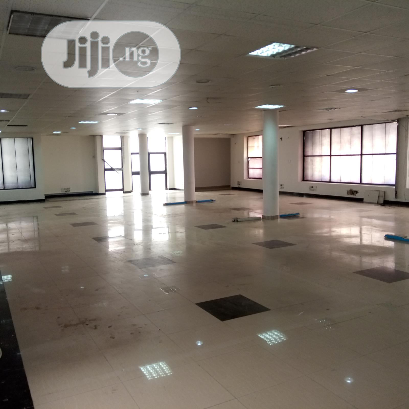 Serviced Open Plan Office Spaces To Let