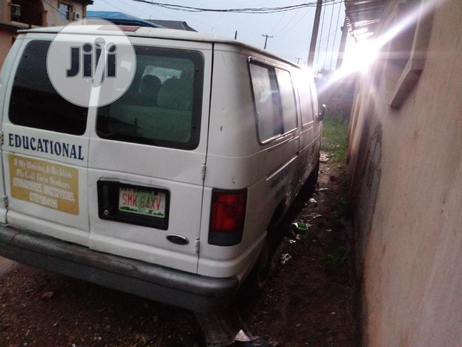 Ford Econoline 2002 White | Buses & Microbuses for sale in Lekki, Lagos State, Nigeria