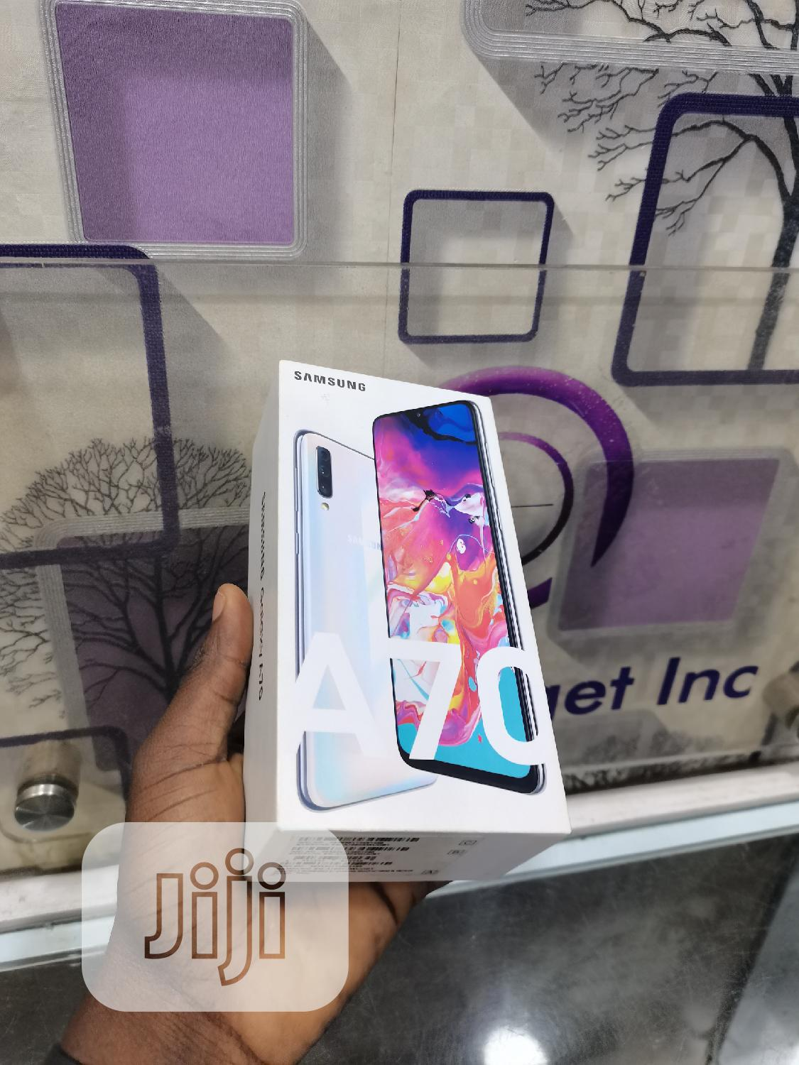 Samsung Galaxy A70 128 GB White