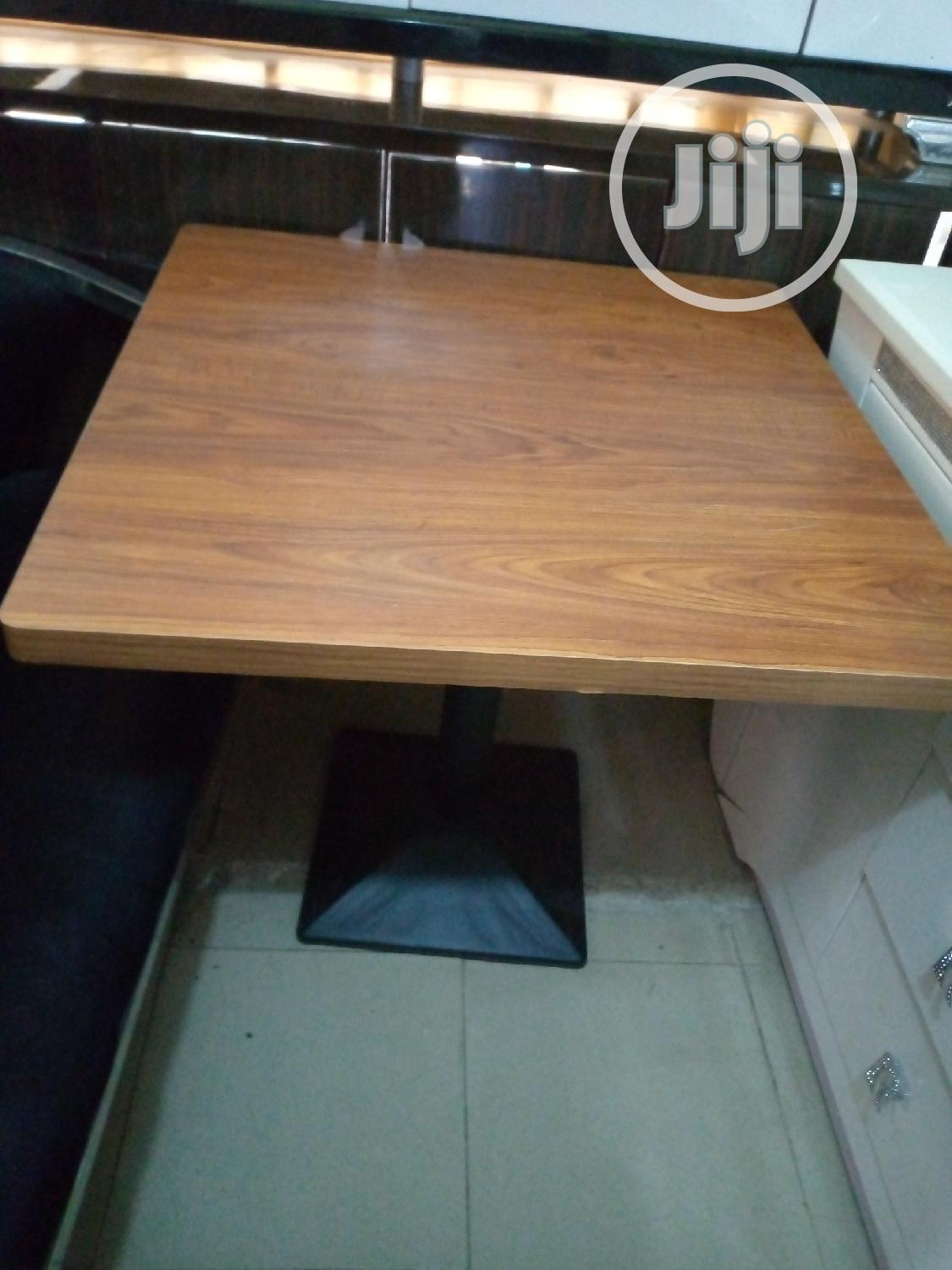 Wood Restaurant Table 80*80 Size