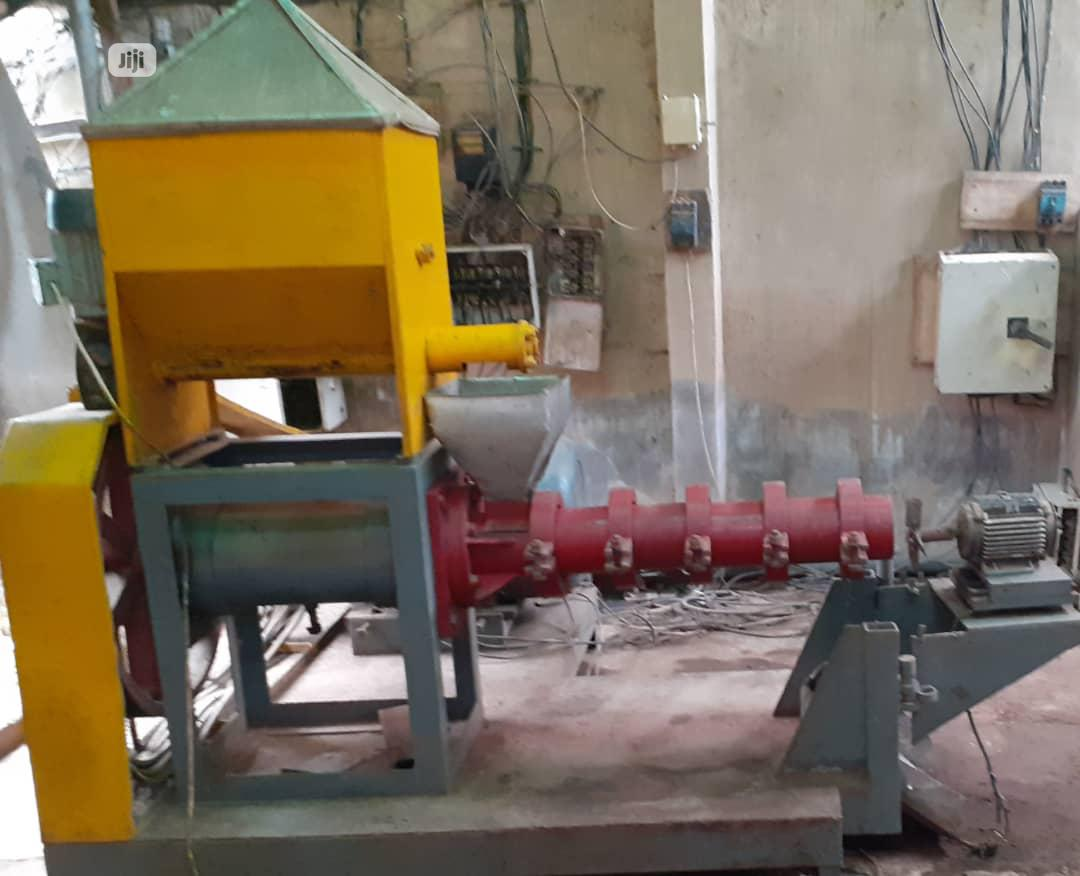 Archive: Floating Fish Feed Processing Machine-800kg Per Hour