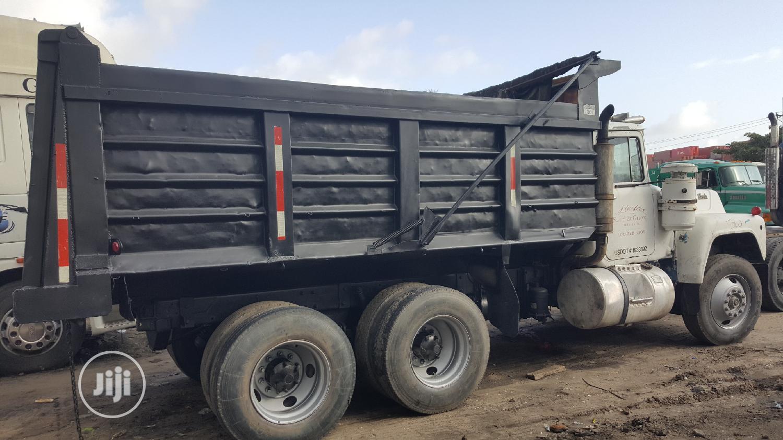 New Arrival 24valve R Model MACK Ten Tyres Tipper Truck | Trucks & Trailers for sale in Apapa, Lagos State, Nigeria