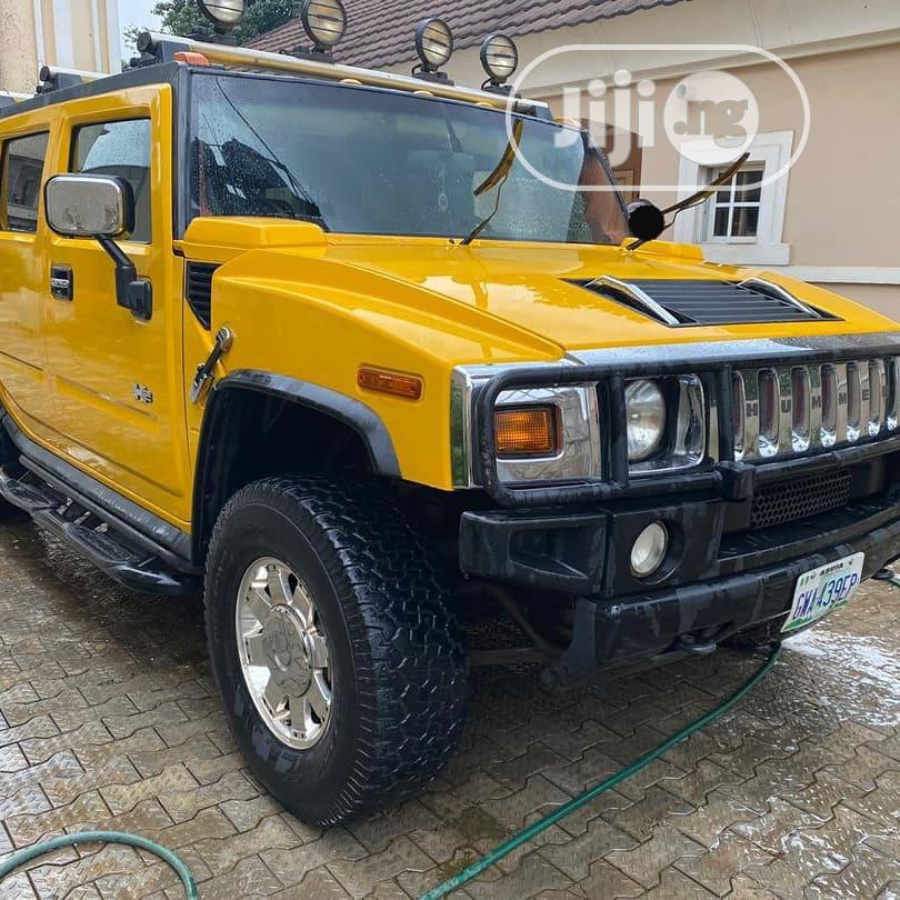 Hummer H2 2006 Yellow