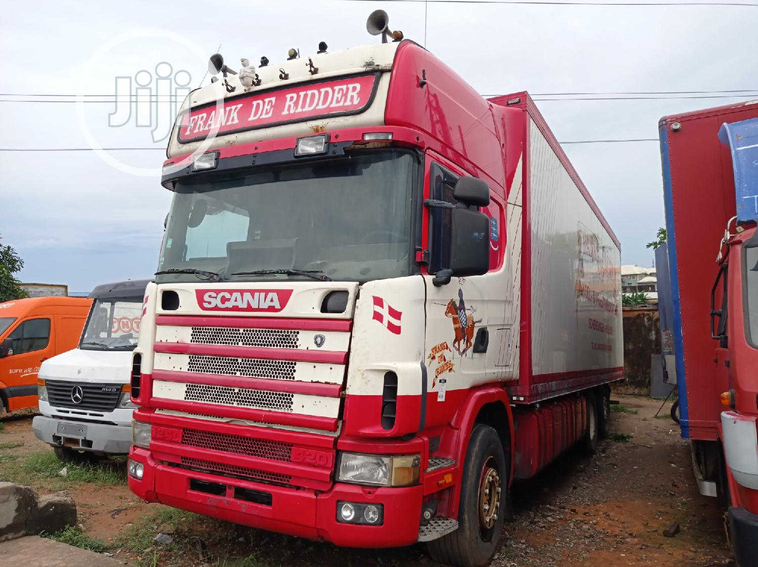 SCANIA Container(8 Tyres) 2001