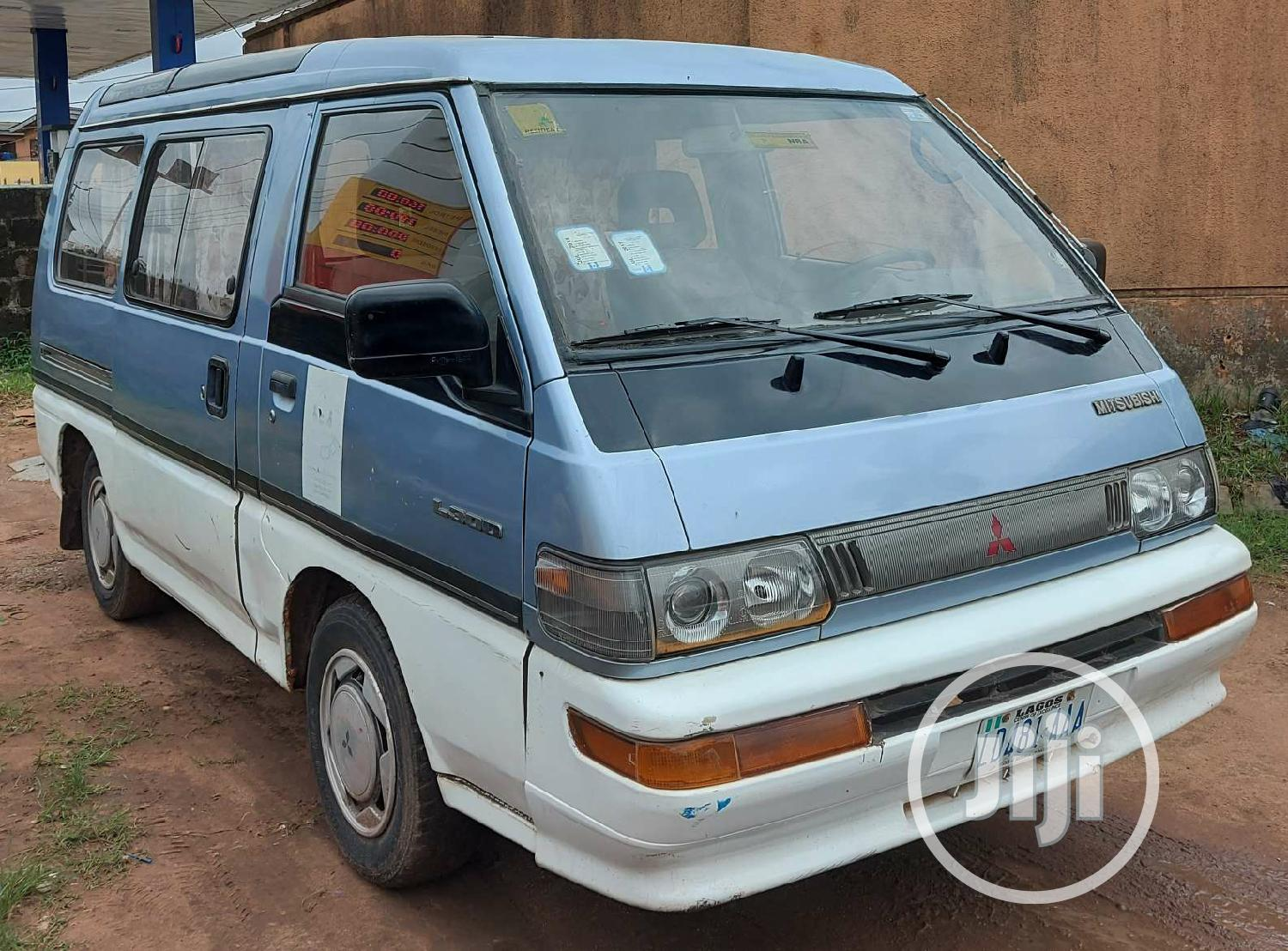 Clean Mitsubishi L300 2000 For Sale | Buses & Microbuses for sale in Agege, Lagos State, Nigeria