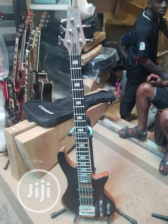 Fender 5strings Active Bass Guitar