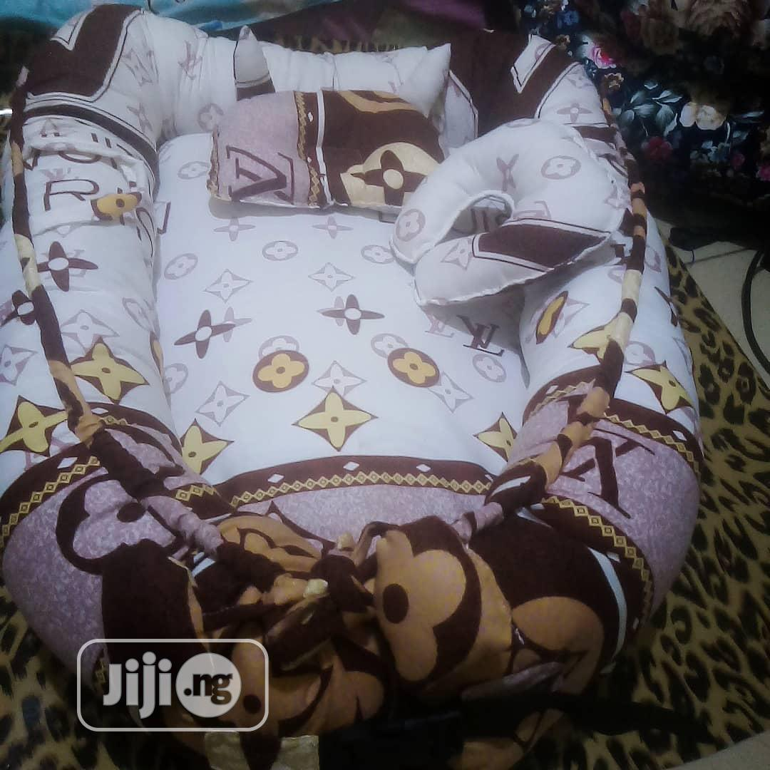 Archive: Baby Nest Bed With Breastfeeding Pillows