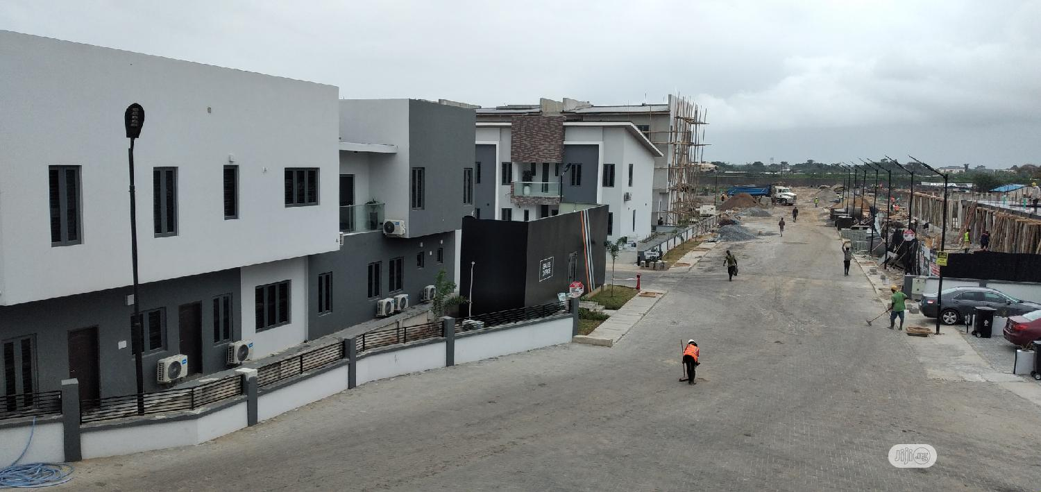 LUXURIOUS 1,2 &3 BEDROOM SEMI DETACHED At Abraham Adesanya | Houses & Apartments For Sale for sale in Ajah, Lagos State, Nigeria