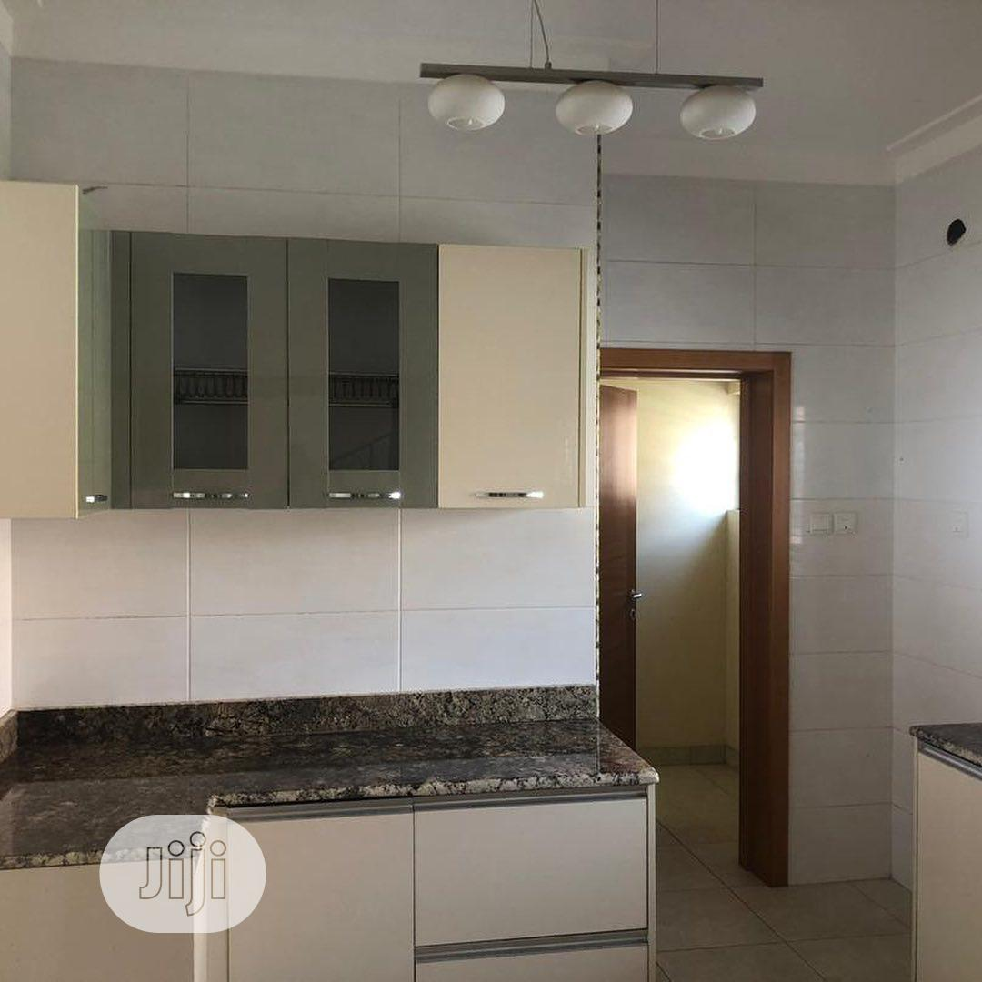 Archive: Newly Built 5 Bedroom Duplex