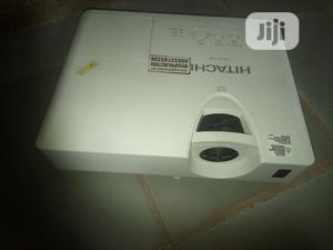 HDMI Hitachi Projector In Jos   TV & DVD Equipment for sale in Plateau State, Langtang North