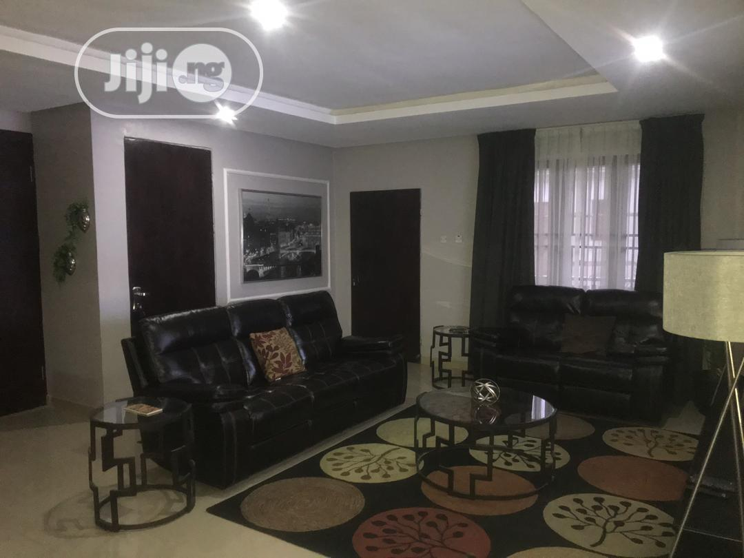 Archive: Luxurious Waterfront 4 Bedrooms High Rise Apartment