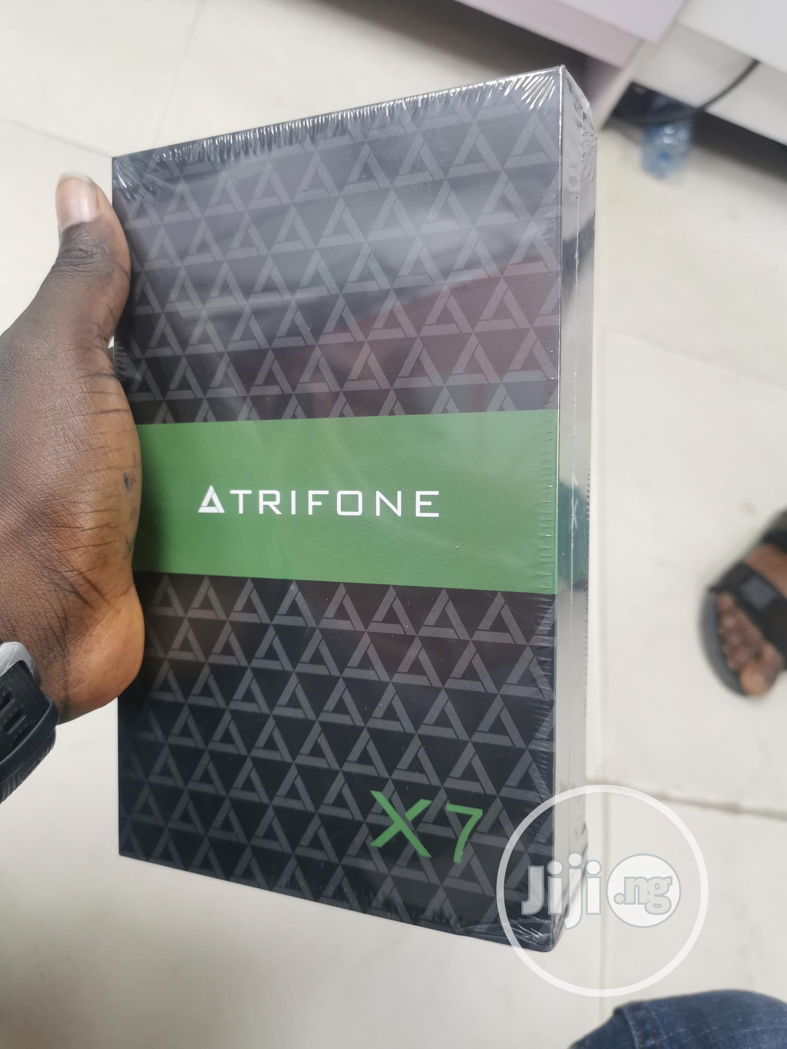 New Trifone X7 16 GB Black