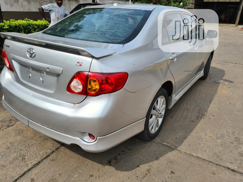 Archive: Toyota Corolla 2009 Silver