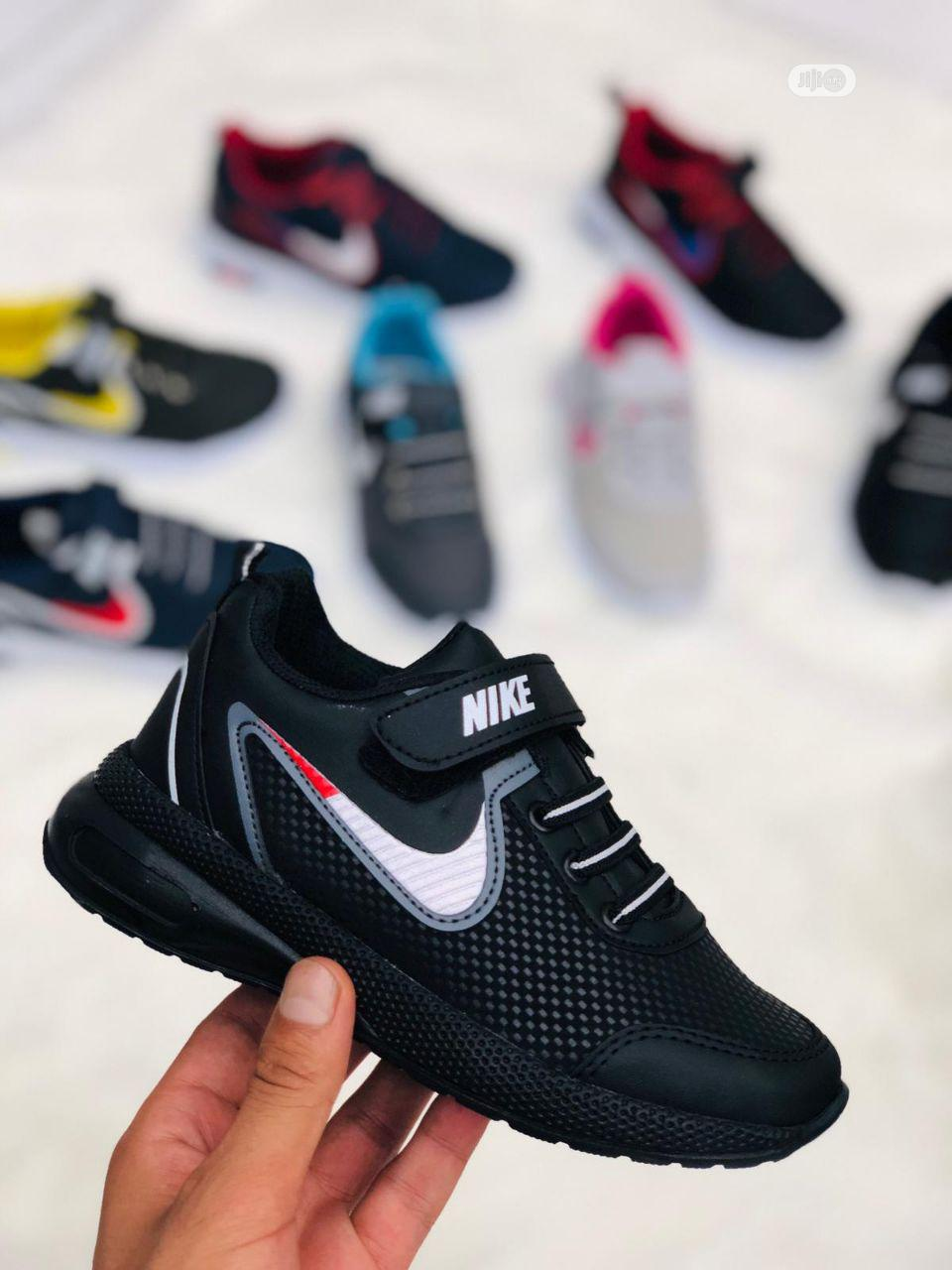 Best Quality Shoes in Different Colors