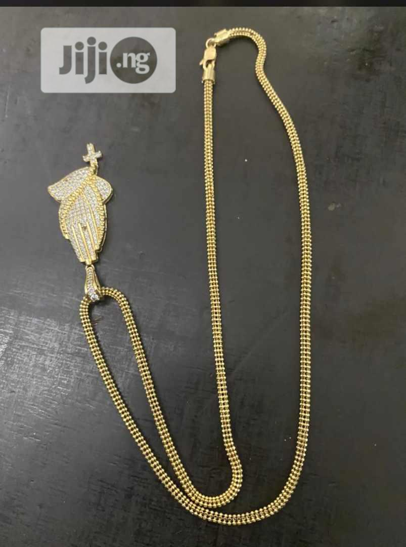 Archive: Pure Gold 18karat Chain With Pendant Is Available