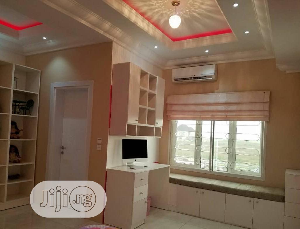 Clean 5 Bedroom Duplex For Sale Pinnock Beach Estate,Osapa London Lekki | Houses & Apartments For Sale for sale in Osapa london, Lekki, Nigeria